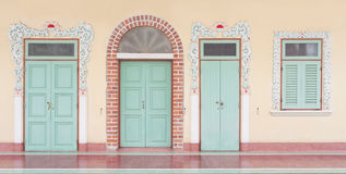 3 deuren en venster Stock Afbeeldingen