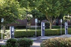 3 estações cobrando do veículo eléctrico Foto de Stock