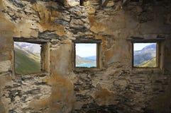3 fönster Arkivfoton