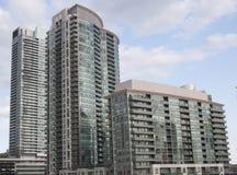 3 flatgebouwen met koopflats Royalty-vrije Stock Foto