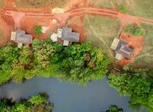 3 Häuser von der Luft Stockfoto
