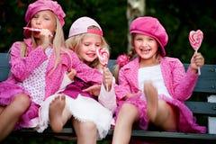 3 lyckliga systrar royaltyfria foton