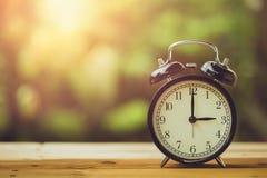 Free 3 O`clock Retro Clock Vintage Colour Tone Stock Photo - 126006940