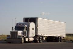 3 platformie duża ciężarówka Zdjęcie Stock