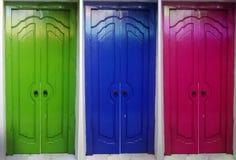 3 puertas coloridas Imágenes de archivo libres de regalías