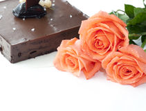 3 rose with chocalate cake in wedding Royalty Free Stock Photos