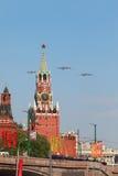 3 Tu-95ms volano sopra il quadrato rosso Immagine Stock Libera da Diritti