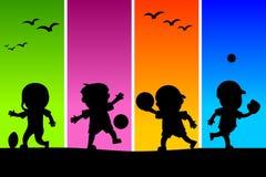 3 ungar som leker silhouettes Royaltyfri Fotografi