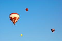 3 varma luftballonger Arkivfoton
