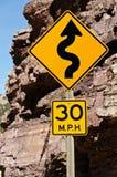 30英里/小时曲线符号 免版税库存图片
