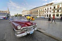30 Dec, 2009. Oude Amerikaanse auto in Havana Royalty-vrije Stock Afbeeldingen