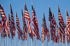 3000 bandeiras de encontro ao céu azul Imagem de Stock Royalty Free