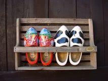 穿上鞋子木 免版税库存照片