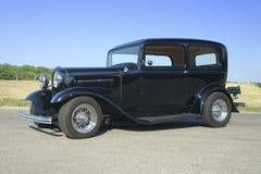 32黑色轿车 免版税库存图片