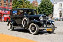 32 1932 f oldsmobile sex royaltyfria bilder