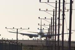 3203使飞机降落 免版税图库摄影