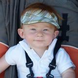 33 behandla som ett barn pojken arkivbilder