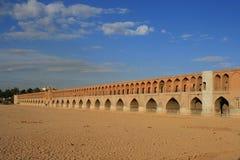 33 pol. Allah Verdi Khan brug in Isphahan, Iran Stock Foto