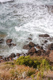 34 krascha waves för klippa Royaltyfri Foto