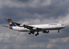 340架空中巴士飞机喷气机汉莎航空公&#21496 库存图片