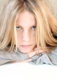 蓝眼睛女孩纵向 免版税图库摄影