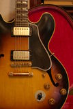 345 ES gibson吉他葡萄酒 库存照片