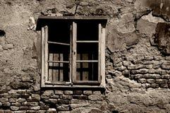 被毁坏的被定调子的战争视窗 图库摄影