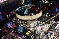 350个小块bowtie chevy的引擎 免版税库存照片