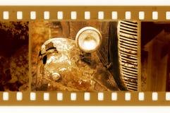 35mm frame foto met oude auto stock afbeelding