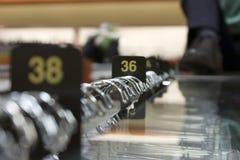 36 38 одевая шкафов показывая размеры Стоковые Изображения RF