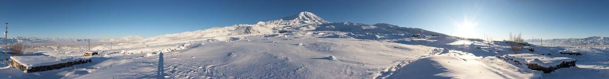 360阿勒山程度挂接全景冬天 库存图片