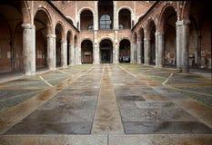 379 386 ambrogio大教堂意大利sant的米兰 免版税库存照片