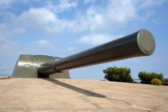 38.1cm calibre gun. British built 38.1cm calibre gun with 18.6 metre barrel and a range of circa 35km, used for defence of strategic coastal areas such as sea Stock Photos