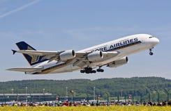 A-380 no aeroporto de Zurique Imagem de Stock
