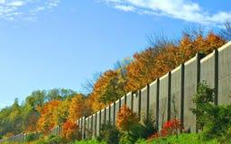 高速公路墙壁 库存图片