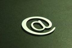 3d电子邮件符号银 库存图片