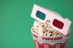 3D glasses & a bucket of popcorn Royalty Free Stock Images