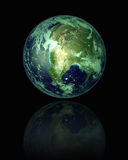 3D rendem o globo com reflexão Imagens de Stock