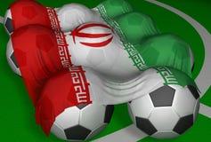 3D-rendering der Iran Markierungsfahne und Fußballkugeln Lizenzfreies Stockfoto