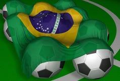 3D-teruggevend de vlag en de voetbal-ballen van Brazilië Royalty-vrije Stock Foto's