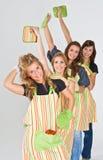 4个厨师女孩准备好 免版税库存图片