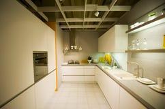 4个厨房现代新的缩放比例 免版税库存照片