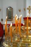 4个烛台家具内部正统寺庙 免版税库存图片
