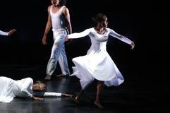 4个舞蹈现代性能 库存图片