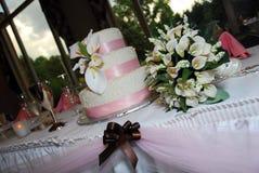 4个蛋糕表婚礼 免版税库存照片