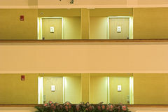 4个门楼层 免版税库存图片