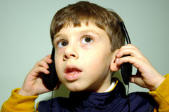 4副儿童耳机 库存照片