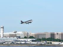 4平面的喷气机采取 免版税库存照片