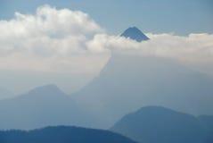 4座云彩山没有 免版税库存图片
