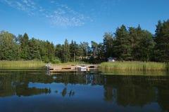 4条小船码头瑞典 免版税图库摄影